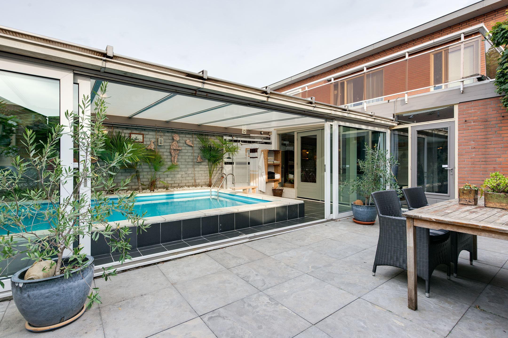 5x een zomerhuis met zwembad academica for Zwembad artikelen