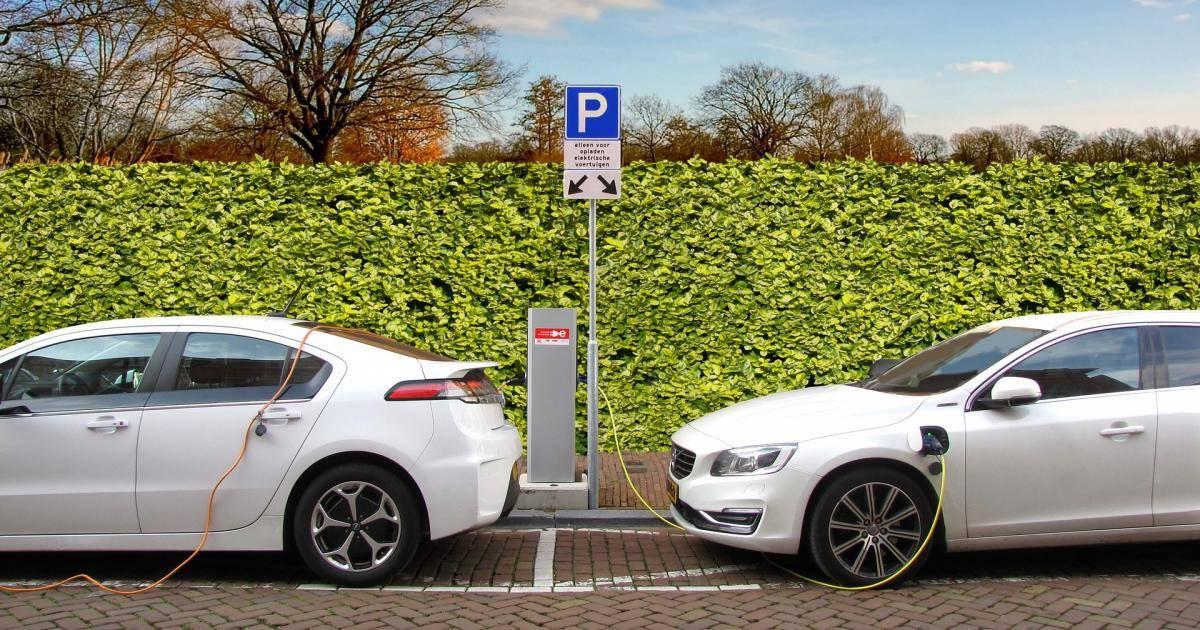 Laadpaal Elektrische Auto Dit Kost Een Oplaadpunt Thuis Academica