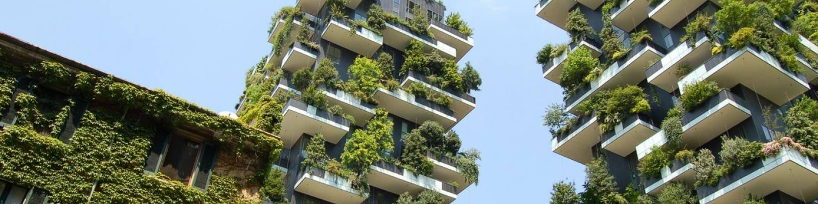 Appartementcomplexen met begroeiing