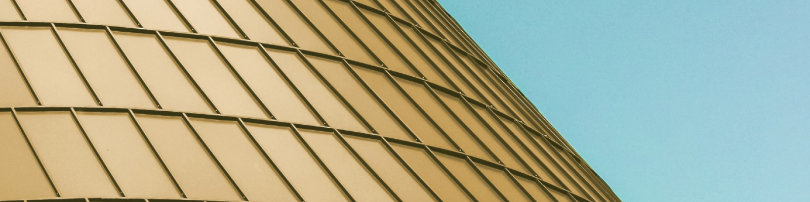 gebouw met gouden dak