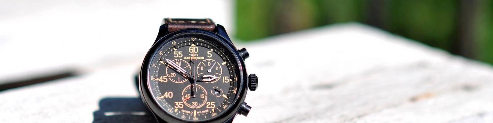 Horloge en papierwerk