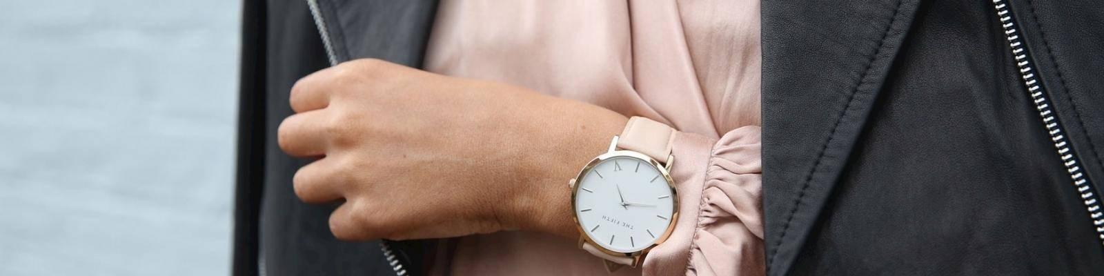 Vrouw met horloge